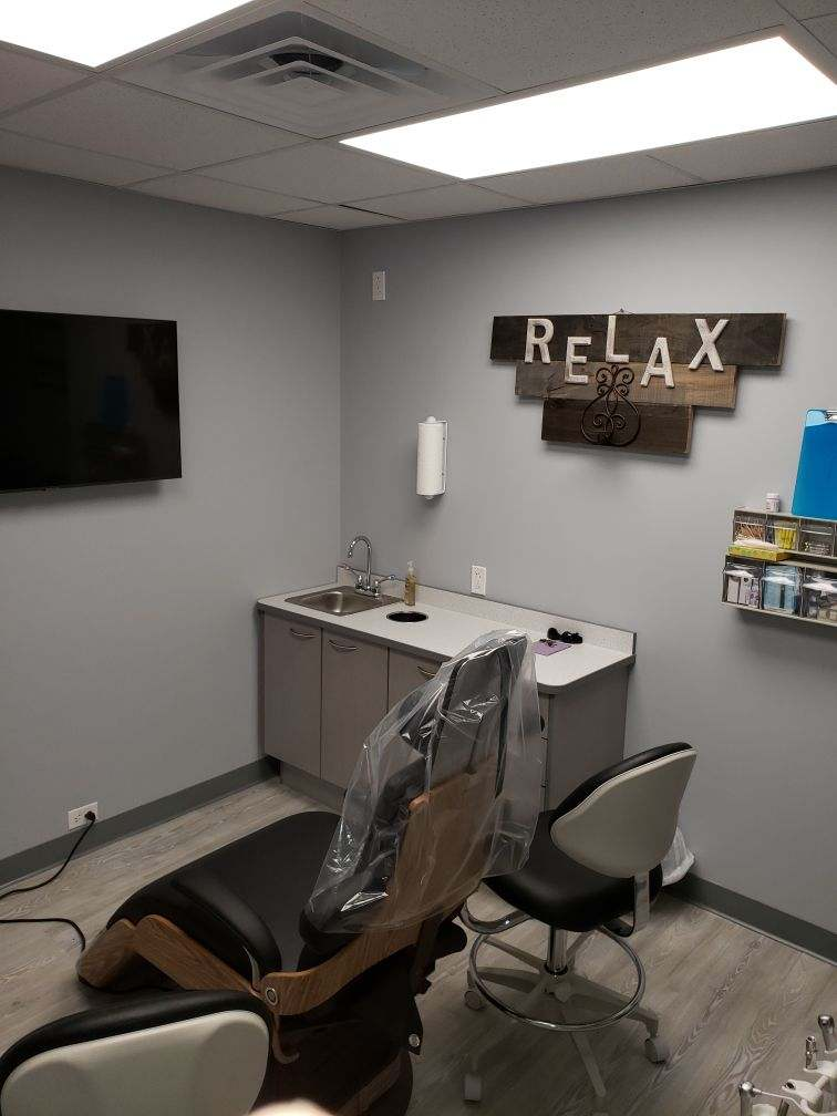 Brunswick Family Dental exam room - W J Miller Builders